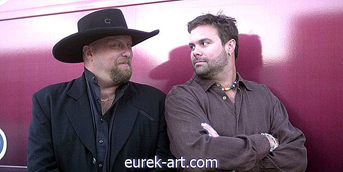 Troy Gentry of Country Duo Montgomery Gentry muore in un incidente in elicottero