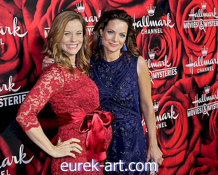 Sisters Kimberly Williams-Paisley dan Ashley Williams ke Co-Star dalam Dua Krismas Filem Krismas