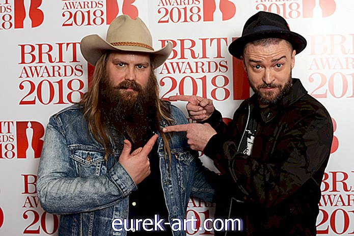 Chris Stapleton과 Justin Timberlake가 Brit Awards에서 다시 팀을 이뤘다.-재미있는