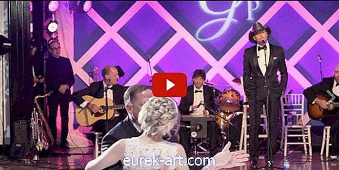 divertissement - Regardez le visage de cette mariée quand Tim McGraw se présente pour chanter à son mariage