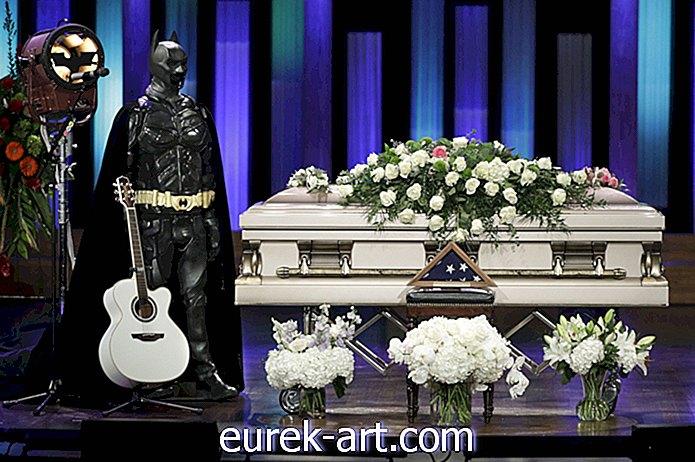 Bagaimana Eddie Montgomery Menghadapi Pemakaman Troy Gentry