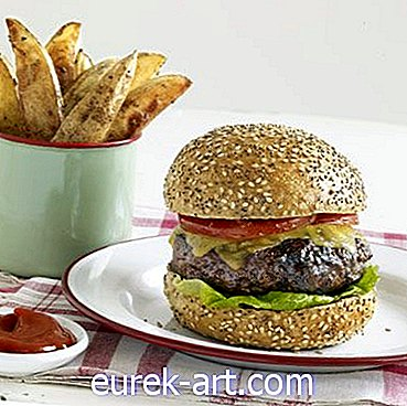mat drinkar - A Leaner Take on Burgers and Fries